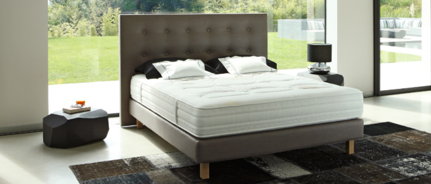 sommier pour matelas ressort cheap ensemble literie. Black Bedroom Furniture Sets. Home Design Ideas